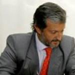 Usandivaras dijo que el gobierno no entrega terrenos sin factibilidades