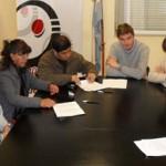 Firman acuerdo para optimizar el servicio de agua en La Banda de Arriba