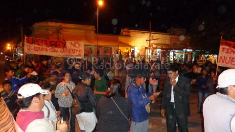 El Concejal Marcos Arjona escuchó el reclamo de los manifestantes