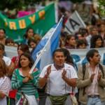 El gobierno llamó a la Intergremial y Docentes Unidos le respondió con una masiva marcha en Salta