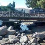 Fuertes críticas por falta de trabajos de encauce del río y limpieza del puente