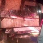 Chocó el ómnibus de Soledad Pastorutti  contra un camión