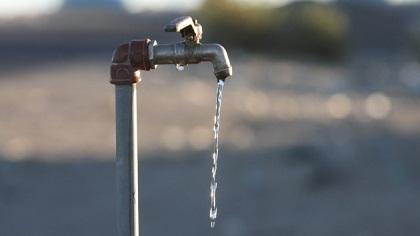 Otro golpe al bolsillo: aumenta 31% el agua