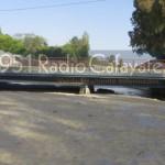 El puente del Río Chuscha sigue colmatado