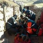 Los bomberos rescataron de los cerros a una anciana