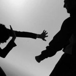Una mujer golpeada por su pareja fue derivada a Salta en estado grave