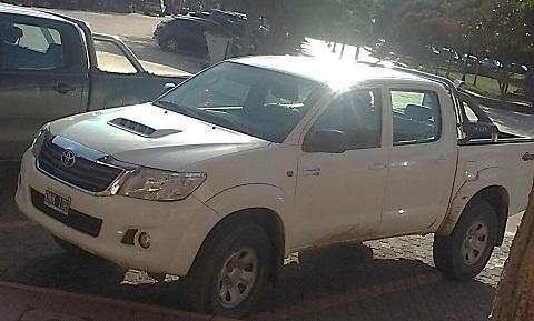 La camioneta sin los logos identificatorios al momento de la denuncia de nuestro medio.