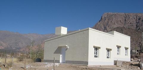 El gobierno entregó 15 viviendas