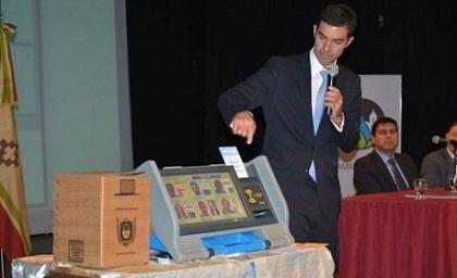 Urtubey no definió la fecha de las elecciones pero ya se contrató el voto electrónico