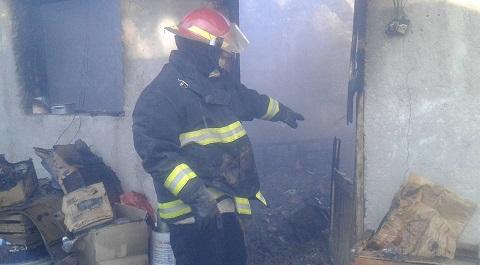 Una familia perdió prácticamente todo al incendiarse su casa