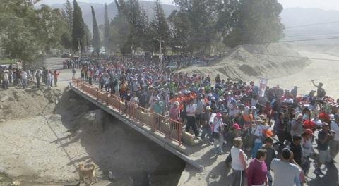 450 peregrinos caminan a renovar el pacto de fe con los patronos de Salta
