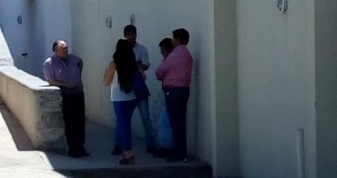 Ariel Barroso, Adrián Torres, Rita Guevara, Gabriel Corregidor y Daniel Guantay antes de la sesión.