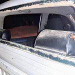 San Carlos: una mujer hirió con un cuchillo a un oficial de la policía y rompieron el vidrio del móvil policial
